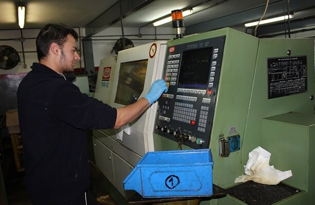 Fabricación de conectores eléctricos