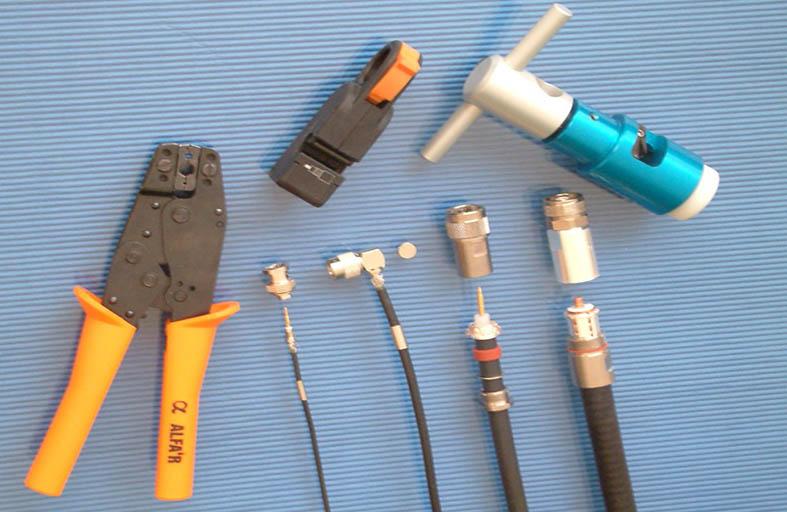 INSTRUCCIONES PARA EL PELADO Y MONTAJE DE CABLES EN CONECTORES COAXIALES RF